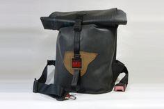 """""""NESSIE XL / V1"""" Rucksack aus Teichfolie - Shopname: PRESS.BAG PRESS.BAG NESSIE XL / V1 mit Handgriff (V1 = Variante 1) ohne Innenfach - zum einfachen Befüllen! NESSIE XL - ein stylischer Upcycling-Rucksack aus Resten einer Teichfolie (robuste ca. 1mm starke Kautschukplane), gebrauchten Sicherheitgurten mit typischem Auto-Gurtschloss und einem Reststück Leder."""