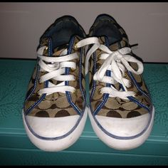 Coach Good condition No box, tag a little torn in the back shown in the pictures. Sneakers Coach Shoes