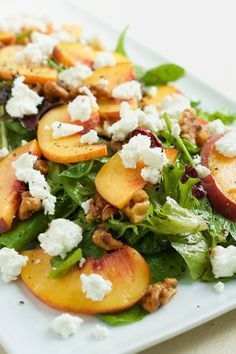 Fresh peach goat cheese and candied walnut salad. Try this recipe out and you will end up falling in love. Fresh peach goat cheese and candied walnut salad. Try this recipe out and you will end up falling in love. Vegetarian Recipes, Cooking Recipes, Healthy Recipes, Simple Salad Recipes, Candied Walnuts For Salad, Spring Mix Salad, Clean Eating, Healthy Eating, Healthy Food
