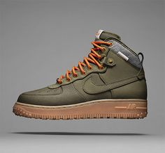Nike Air Force 1 Duckboot There's no mistaking that old school AF1 look but this new version is actually a bad-weather boot. It features a padded wool collar, heavier lugs on the sole, and a full-grain leather upper coated with Watershield to keep out rain, sleet, & snow.