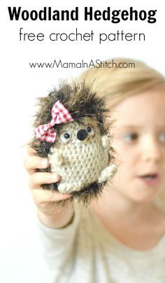 Woodland Hedgehog Amigurumi Crochet Pattern - works up quickly with worsted weight yarn and surface single crochet stitches using fun fur! #freepattern #crochet #crafts #tutorial
