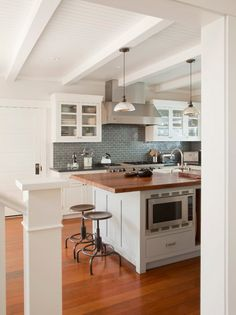 New home renovation diy cheap butcher blocks ideas Sandstone Countertops, Butcher Block Countertops, Marble Counters, Butcher Blocks, Stone Kitchen, Kitchen Dining, Kitchen Cabinets, Kitchen Island, Glass Cabinets