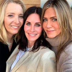 Jennifer Aniston revealed what really happened when she had a Friends reunion with Courteney Cox, Lisa Kudrow, David Schwimmer, Matthew Perry and Matt LeBlanc Friends Tv Show, Tv: Friends, Friends Moments, Friends Series, Friends Forever, Friends Cast Reunion, Friends Actors, Closest Friends, Online Friends