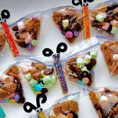 Butterfly snack bags...so cute! My kids will be bringing these for their school snacks to hand out!