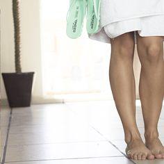 Pasa una tarde descalza en tu casa