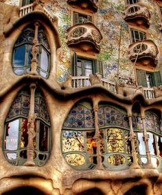 Antoni Gaudi, Casa Batlló loved seeing this in Spain.
