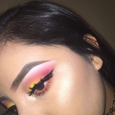 I used white lies on the brow bone, cupcake to blend Razzleberry (discontinued shade) into the outter v, Morocco onto the outter half of the lid and peach