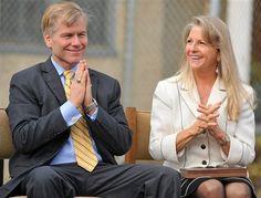 Ex gobernador de VA y su esposa, acusados judicialmente por corrupción: http://washingtonhispanic.com/nota17064.html