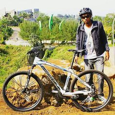 good morning :) pagi-pagi gini esplendid sama om @arabdemotrance sudah keren aja. mau kemana nih om? :D  #pacificbikerider #pacificbikes #sepeda #sepedagunung #goodmorning #mountainbike #mtbindonesia #morningride #selamatpagi #gowes #asik