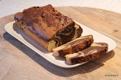 I made this delicious low-carb marble cake especially for Christmas. A marble cake is a cake with a striped or mottled appearance, such as marble. Pear Recipes, Gourmet Recipes, Low Carb Recipes, Diet Recipes, Healthy Cake, Healthy Baking, Marmer Cake, Indian Cake, Roast Lamb Leg