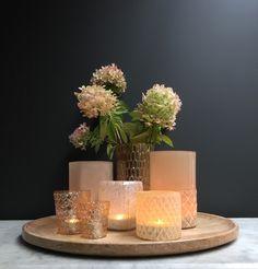 Ook warme en zachte kleuren glaswerk zijn te vinden op onze site www.lounge-living.eu.