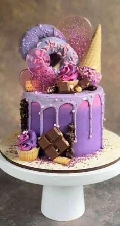 Beautiful Cake Designs, Cool Cake Designs, Beautiful Cakes, Amazing Cakes, Pretty Cakes, Cute Cakes, Yummy Cakes, Candy Birthday Cakes, Beautiful Birthday Cakes