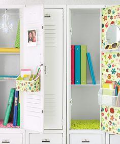 Cute Locker Ideas, Diy Locker, Locker Storage, Locker Rugs, Locker Stuff, School Locker Organization, Binder Organization, School Locker Decorations, Middle School Lockers