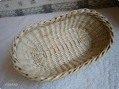 Поделка изделие Плетение Корзинка для хлеба Бумага газетная Трубочки бумажные фото 2