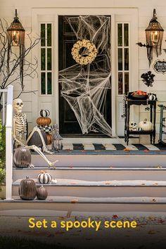 Halloween Bedroom, Halloween Porch, Halloween Home Decor, Outdoor Halloween, Holidays Halloween, Halloween Crafts, Halloween Inspo, Holiday Decor, Easy Halloween Decorations