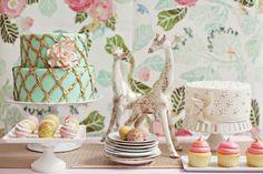 cakes & giraffes
