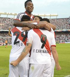 Teo, Cavenaghi y Carbonero #Cracks #Campeones #River