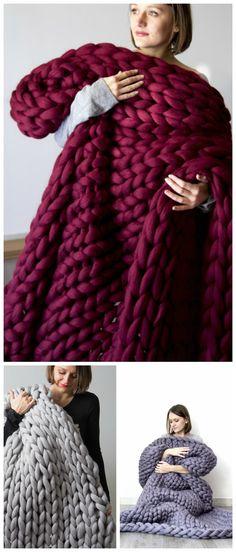 Kuschelige gestrickte Decke aus XXL-Wolle, außergewöhnliche Wohndeko / knitted blanket made of chunky, xxl yarn, woolen blanket made by bloisem via DaWanda.com