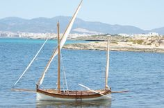"""Beautiful traditional construction and rigging of Mallorcan boat """"Llaut""""…"""