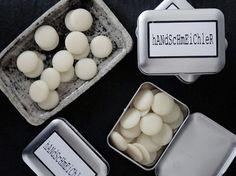 DIY-Anleitung: Handcreme-Bars mit Bienenwachs und Sheabutter selber machen via DaWanda.com