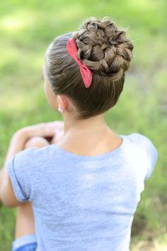 Pin de kallie 😋 en cute hair styles braided hairstyles updo, girls school h Braided Hairstyles Updo, 5 Minute Hairstyles, Dance Hairstyles, Cute Girls Hairstyles, Long Hairstyles, Pretty Hairstyles, Simple Hairstyles, Kids Hairstyle, Natural Hairstyles
