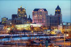 For the aspiring urbanite: downtown Milwaukee city life.