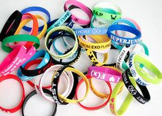 This wrist bands just get better and better #kpop  http://www.ebay.com/itm/KPOP-Bracelet-BIGBANG-JYJ-TVXQ-SHINee-SNSD-EXO-SUPER-JUNIOR-INFINITE-wristband-/290735669087?pt=US_Unisex_Accessories==item43b1323f5f
