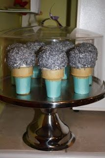 Microphone cupcakes for Haleigh's party.