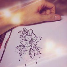 "137 Likes, 2 Comments - Ли Куприна (@tattoo_li) on Instagram: ""Свободный набросок✨ #linework #tattooli #tattoolife #tattoo #ink #moscow #magnolia #magnoliatattoo…"""
