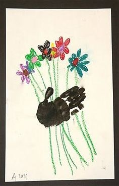 Cute handprint flower bouquet craft for Mother's Day Christmas lights plate. Dollar tree plate, sharpie markers, bake in oven and its perman...