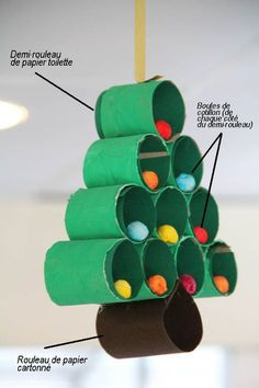 A great idea to place large and colorful pom-poms inside the paper cylinders. Christmas Crafts For Kids, Christmas Activities, Simple Christmas, Kids Christmas, Holiday Crafts, Christmas Decorations, Christmas Ornaments, Kids Crafts, Diy And Crafts