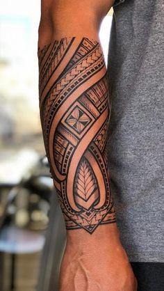 60 Tattoos Forearm Tattoos For Men - Pictures and Tattoos maori tattoo - maori tattoo women - maori Maori Tattoo Arm, Tribal Forearm Tattoos, Forarm Tattoos, Tribal Tattoos For Men, Tribal Sleeve Tattoos, Irezumi Tattoos, Body Art Tattoos, Tattoos For Guys, Samoan Tattoo