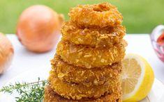 Corn Flake Onion Rings [Vegan, Gluten-Free] - One Green Planet Healthy Onion Rings, Gluten Free Onion Rings, Baked Onion Rings, Vegan Onion Rings Recipe, Homemade Pumpkin Seeds, Homemade Sweet Potato Fries, Flake Recipes, Vegan Blog, Coconut Bacon
