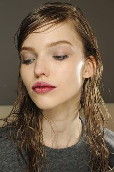 Proof that the wet-look hair trend works in real life