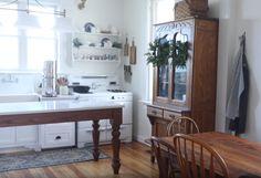- Farmhouse on Boone Our island/work table . Victorian Kitchen, Victorian Farmhouse, Victorian Homes, Farmhouse Style, Design My Kitchen, Eat In Kitchen, Kitchen Decor, Kitchen Ideas, Farmhouse Kitchen Island