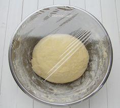 Fursecuri cu nuca si bezea - Desert De Casa.ro - Maria Popa Dairy, Food And Drink, Cheese, Mini Pastries, Home