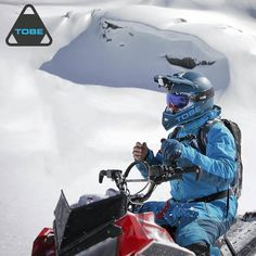 Tobelta kypärämalli tulevalle kaudelle 2017Kypärällä painoa alle kilo! Tutustu lisää  http://ift.tt/2cShaia #kelkkailu #varusteet #2017 #drive_with_us  #Repost @tobeouterwear  Here's something completely new! The first ultralight helmet from TOBE: The Vertex.  Weighing in at 920 grams the Vertex Helmet is designed for next level performance on snow machines.  #Vertex #helmet #ultralight #snowmobile #snowbike
