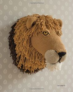 Animal Heads: Trophy Heads to Crochet: Vanessa Mooncie: 9781784940645: Amazon.com: Books