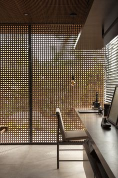 Modern home in Brazil plays up a vintage feel - Curbedclockmenumore-arrownoyes : Wooden screens galore Modern Architecture House, Residential Architecture, Modern House Design, Modern Interior Design, Interior Architecture, Interior Paint, Luxury Homes Interior, Luxury Home Decor, Timber Panelling