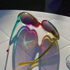 Retro is back and it's time for heart shaped glasses! Summer 2012 is going to be 50's retro all the way - and what could be a better gift for...