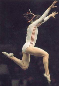 Teodora Ungureanu of Romania. Amazing Gymnastics, Gymnastics Pictures, Artistic Gymnastics, Romanian Gymnastics, Gymnastics Workout, Women's Gymnastics, Gymnastics History, Nadia Comaneci, Leotard Fashion