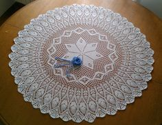 Big round tablecloth with pineapple