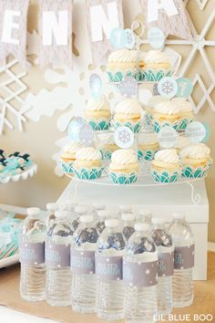 Free Printables for a Frozen Winter Birthday Party via Ashley Hackshaw / lilblueboo.com #frozen