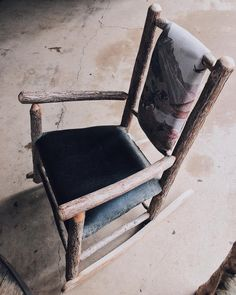 Just sit down for one second and clear your mind.....now just have a great day because you're amazing! #vsco #vscocam #chair #sitdownandclearyourmind #vicwasheremedia #vicwasheredotcom #vicwashere #victorthephotographer #yourawsome