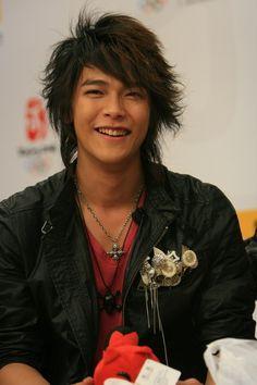 Jiro Wang / (((o(*゚▽゚*)o)))