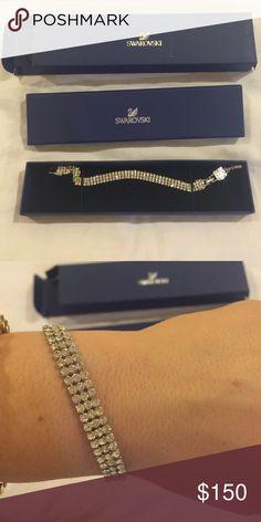 Swarovski Tennis bracelet style    never been worn Swarovski Jewelry Bracelets