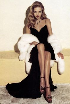 Retro Glam #micraattitude #nederland the fur the hair the heels the dress and most of all that face holy moly