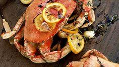 How to Cook Live Crab - MensJournal.com