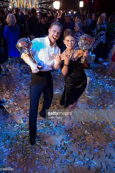 Episode 2111A' - In the two-hour season finale on TUESDAY, NOVEMBER 24, 2015 (9:00-11:00 p.m., ET), the three finalists advanced to the final stage of the competition. Derek Hough and Bindi Irwin
