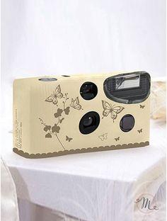 Wedding camera Farfalle oro.Questa Wedding Camera usa e getta, è dotata di flash e permette la realizzazione di 27 foto a colori. In #promozione #offerta #matrimonio #wedding #weddingday #cerimonia #ricevimento #nozze #weddingcamera #foto #sconti